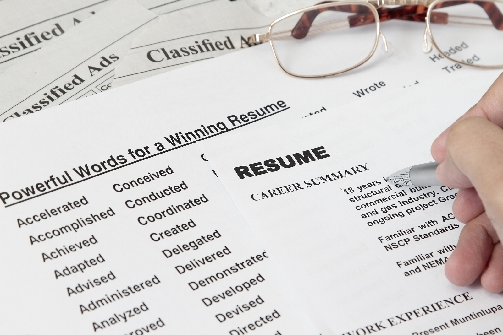descriptive words for resume
